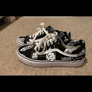 Vans Black and White Design Old Skool Shoes